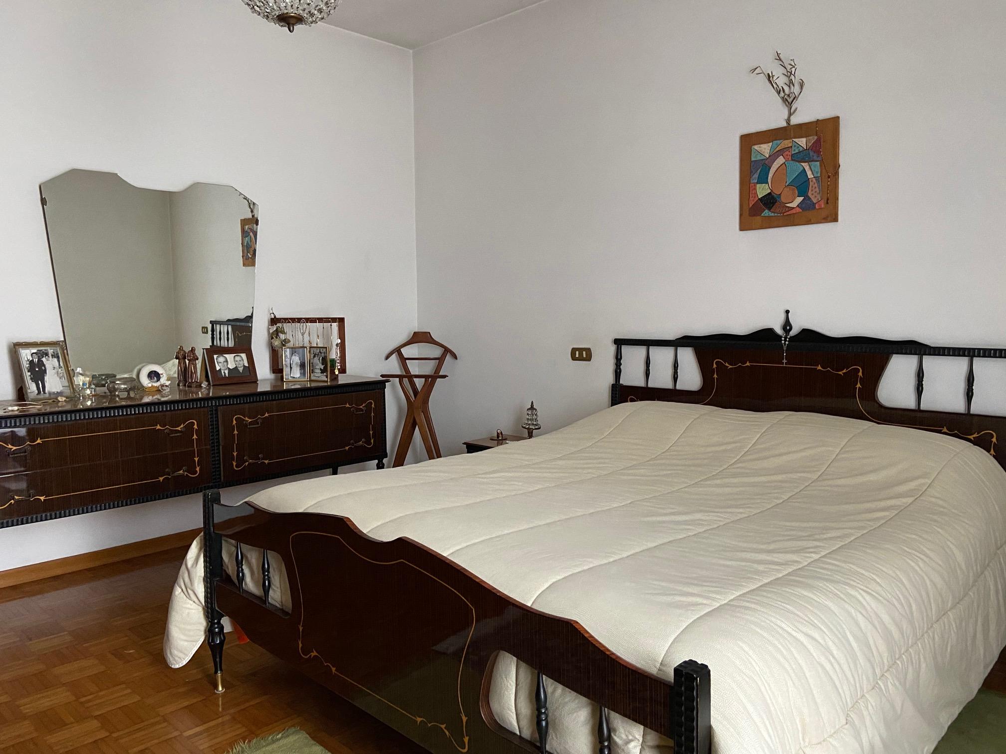 GATTEO, Loc.tà Sant'Angelo Casa indipendente degli anni 80 in ottimo stato, su lotto di 1900 mq e disposta su 3 Piani