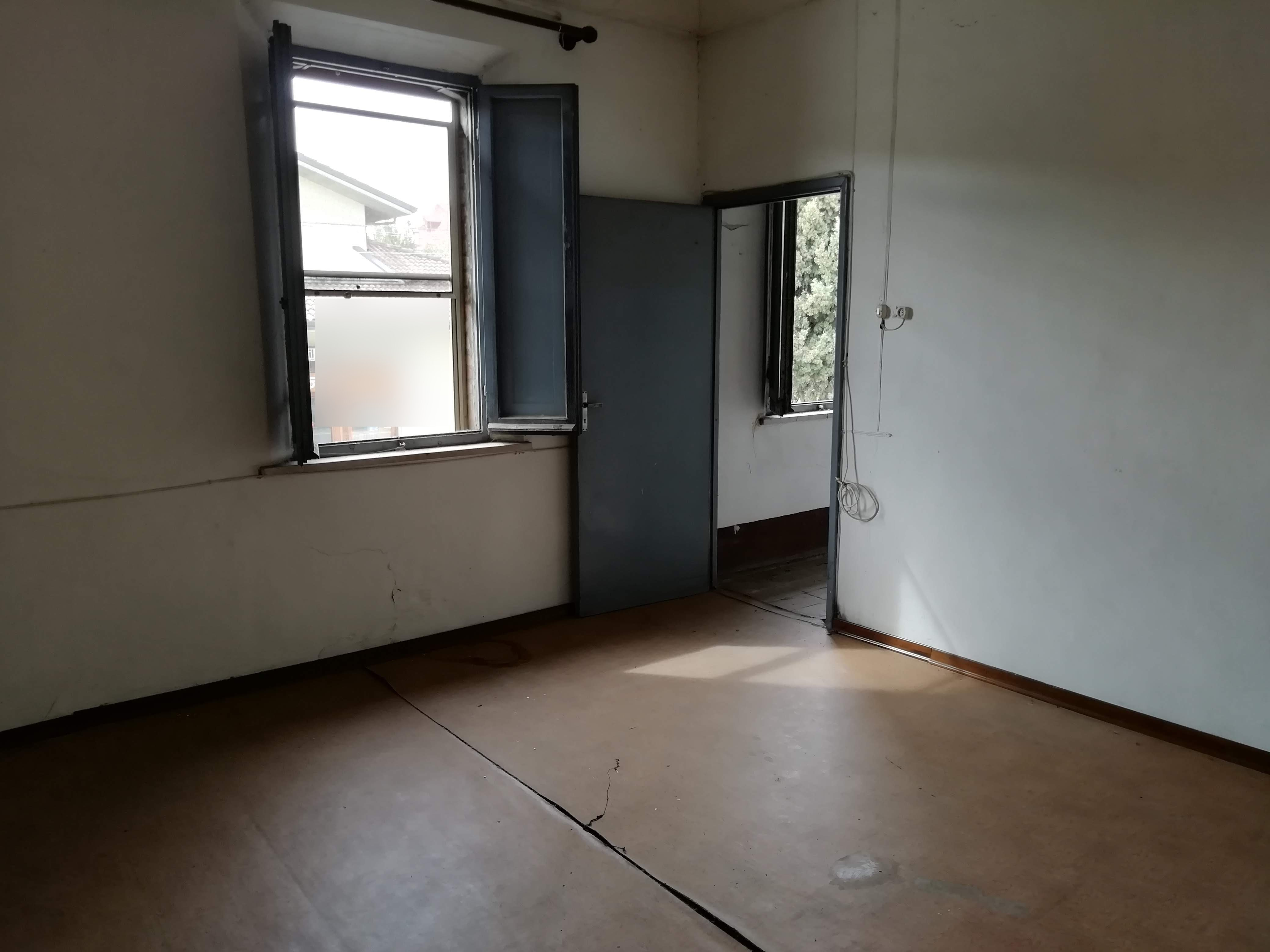 SAN VITO CENTRO, Casa completamente da ristrutturare con corte privata